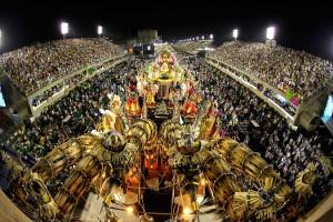 Carnaval van de samba scholen op de Sapucí in Rio