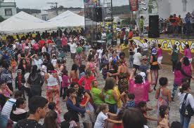 Grenzeloos vermaak op het plein in Ibiuna met carnaval