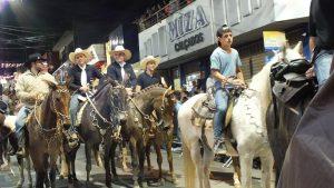 Processie met paarden - São Sebastião.